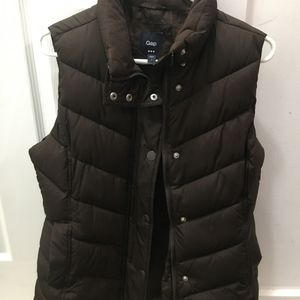 Small Brown Womans Puffer GAP Vest